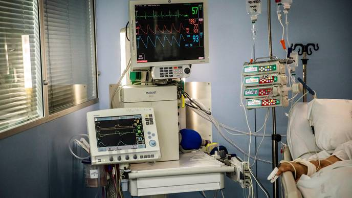 Why Are Some Doctors Moving Away from Ventilators for COVID-19 Patients?
